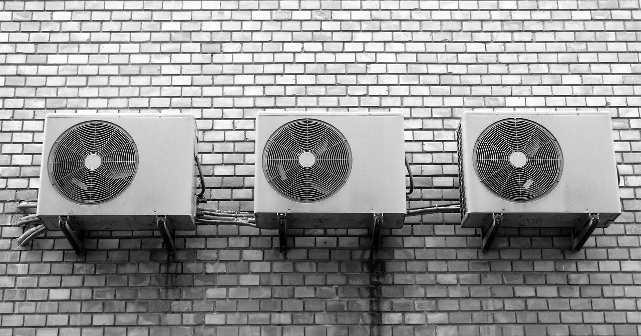 it's recommended to use natural refrigerants for airconditioning units.