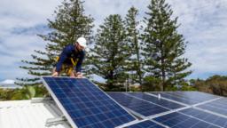 Installing Solar Energy Panels